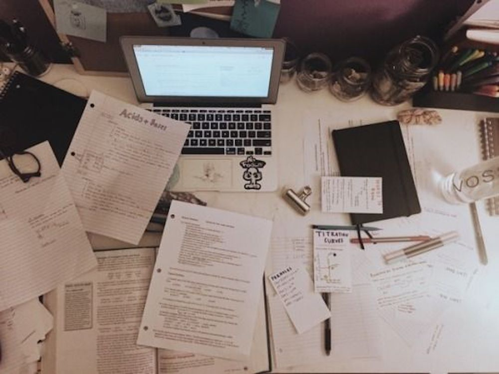 It's easy to fall behind if your study habits look like a night spent in Strozier surrounded by cups of coffee and energy drinks. Study smarter not harder, this will lead to less stress and better grades. Follow these tips to figure out how to study smarter.