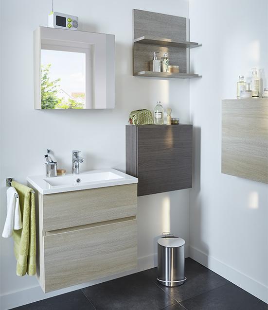 14 astuces gain de place pour une petite salle de bains fonctionnelle petites salles de bain. Black Bedroom Furniture Sets. Home Design Ideas