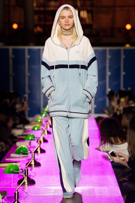 new styles 7660e 8ddff Fenty x Puma Fall 2017 Ready-to-Wear Fashion Show ...