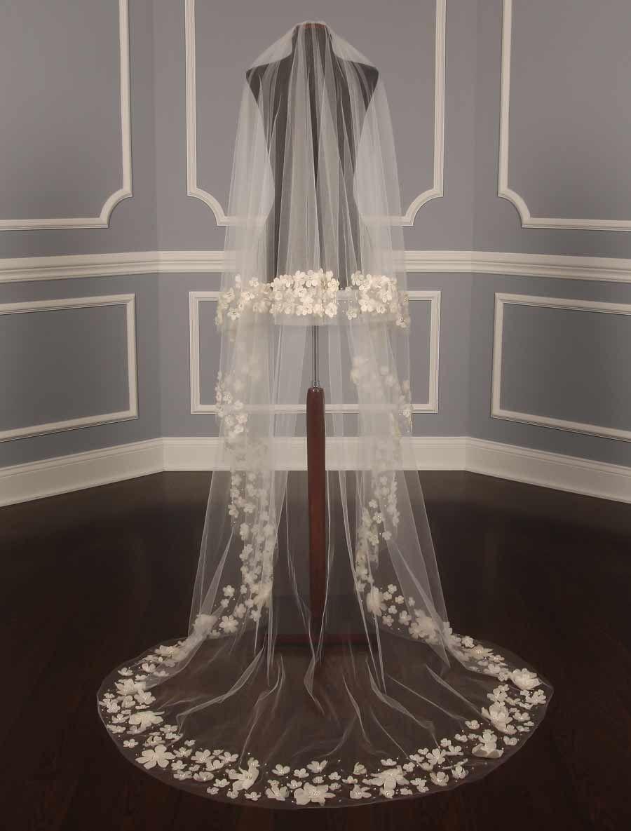 Monique Lhuillier Diamond White Wedding Veil