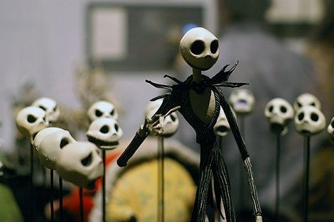 Backstage For Tim Burton S Nightmare Before Christmas And Jack Skellington With His Many Clay Faces Tim Burton Tim Burton Art Tim Burton Museum