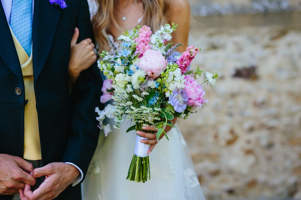 English Country Garden Wedding Of Blogger Hattie West Country Garden Weddings Countryside Wedding Flower Bouquet Wedding