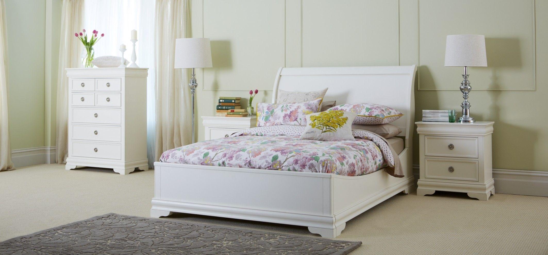 White Solid Wood Bedroom Furniture Set