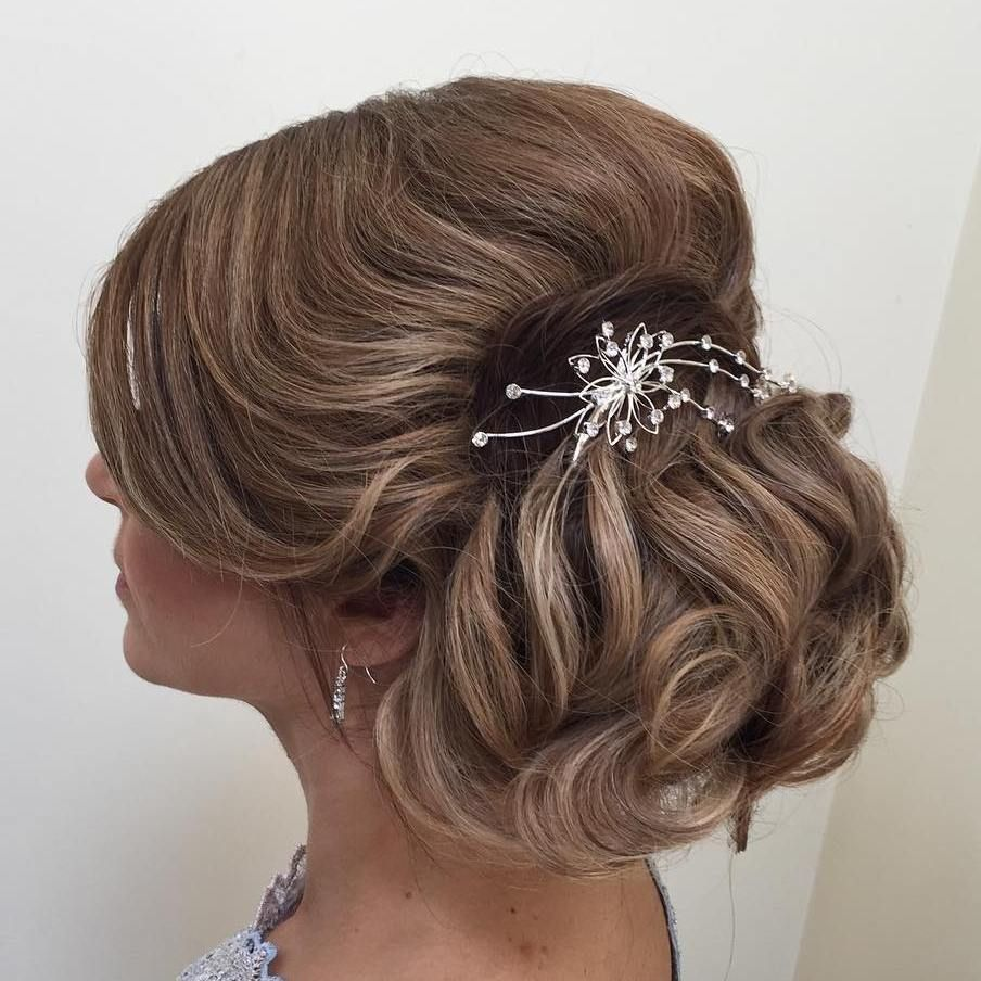40 ravishing mother of the bride hairstyles | loose chignon