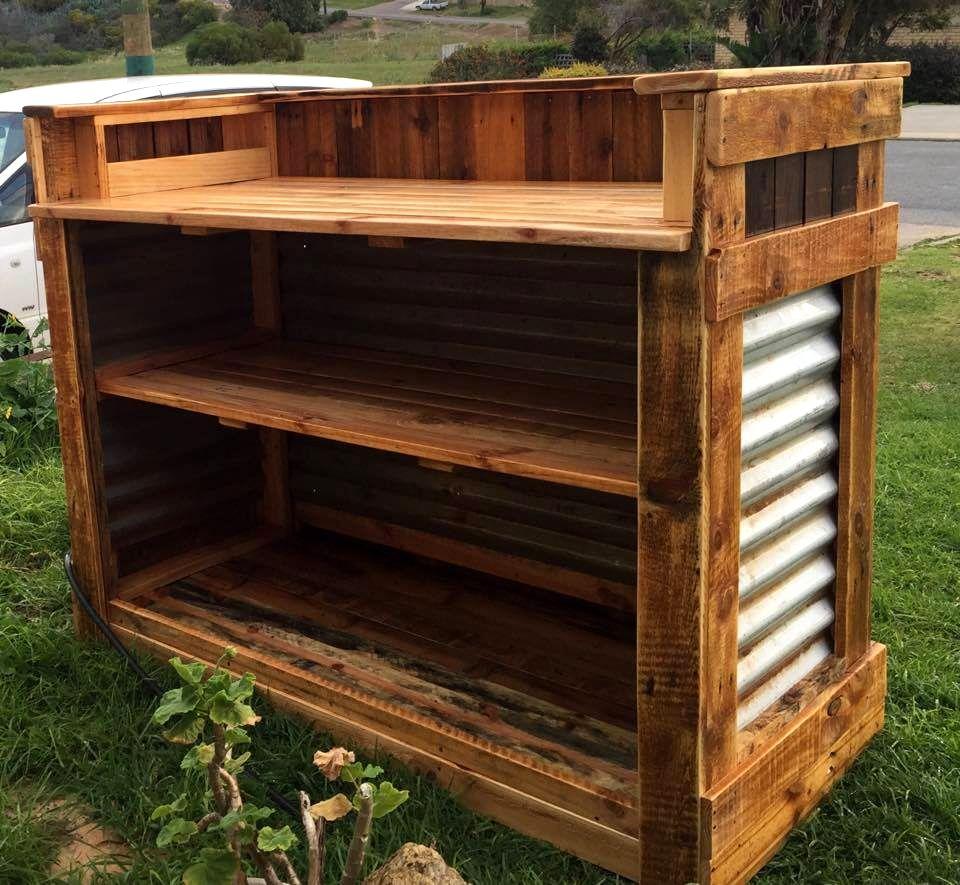 Bar Custom Wood And Woods: DIY Reclaimed Pallet Wood Bar Table