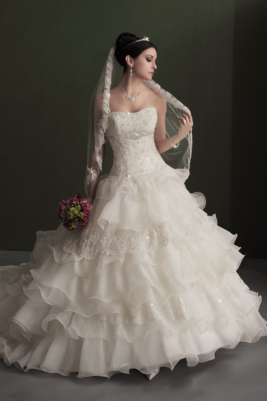 Gown by Karelina Sposa