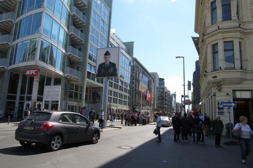 Checkpoint Charlie o símbolo da Guerra Fria