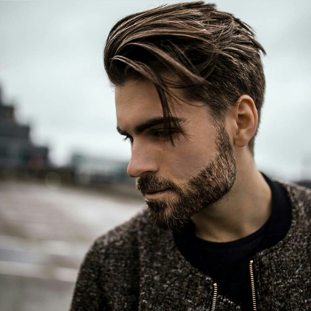 looks like a tapered side to an undercut. bit messy. the