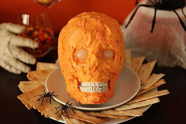 Creepy Halloween Ideas, 15 Edible Decorations for Halloween Party - halloween catering ideas