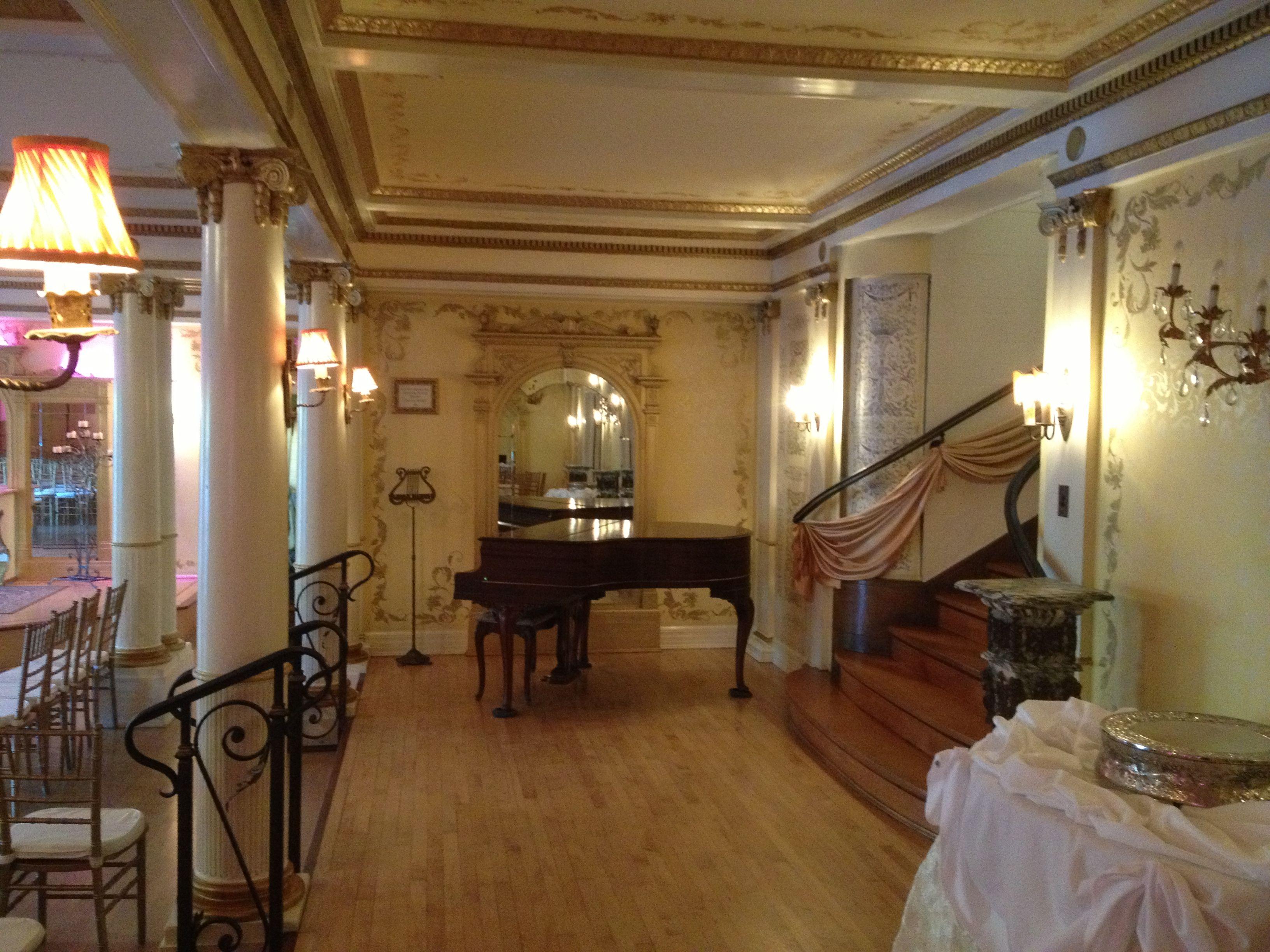 Inside The Grand Island Mansion Piano Grand Island Mansion Grand Island Mansions
