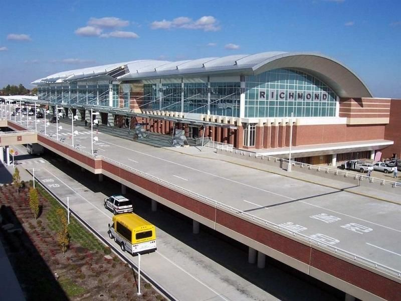 Richmond (VA) The Richmond Airport Hotel United States, North America The Richmond Airport Hotel is conveniently located in the popular Richmond International Airport area. Both business travelers and tourists can enjoy the hotel's facilities and services. Free Wi-Fi in all rooms, 24-hour front desk, facilities for disabled guests, luggage storage, room service are on the list of things guests can enjoy. Television LCD/plasma screen, non smoking rooms, air conditioning, heatin...