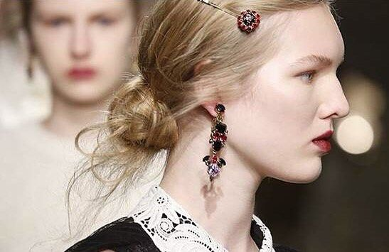 Hair at the #ERDEM Autumn Winter 2016 by the wonderful Anthony Turner #LFW #erdemBTS #AW16 Thank you @anthonyturnerhair @bumbleandbumble by erdemlondon
