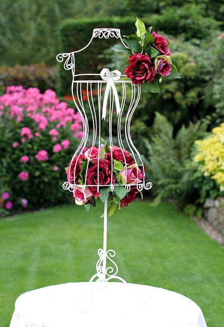 Creative White Metal Wire Body Form Mannequin With Roses Mannequin Decor Rose Wedding Theme Flowers