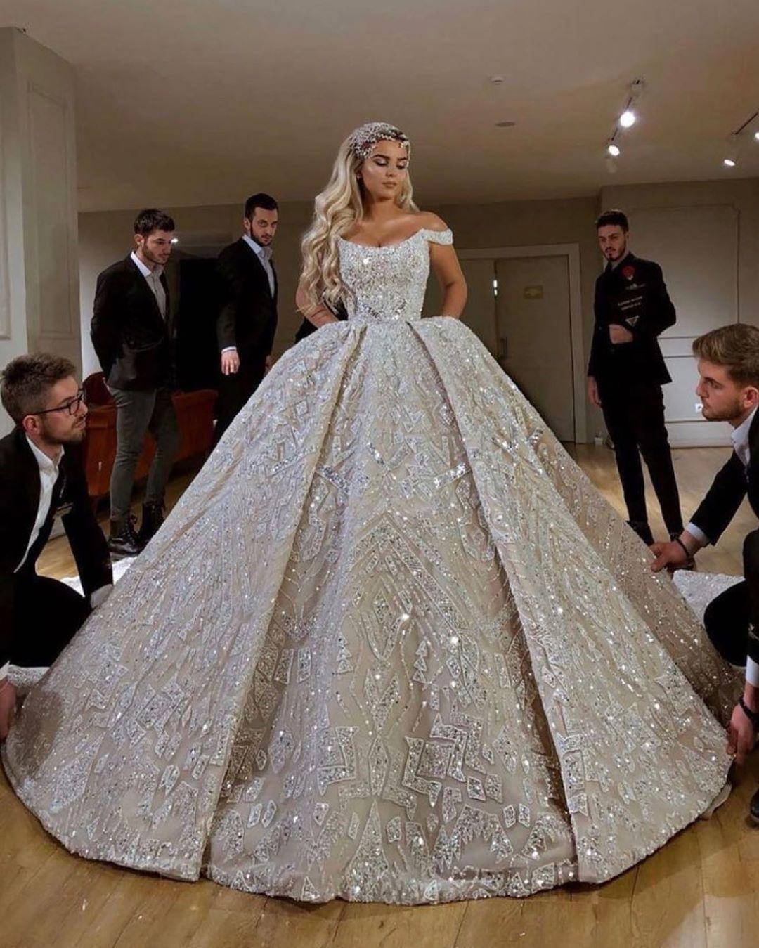 جده الرياض عروس ستايل فاشن ازياء القصيم اناقه فساتين زواجات Vi In 2020 Perfect Wedding Dress Gorgeous Dresses Princess Wedding Dresses