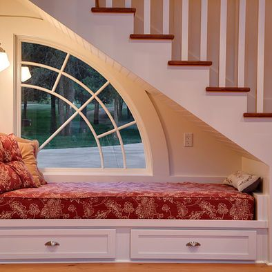 Awesome Fantastic Window Window Seat A Twin Bed Mattress That Bralicious Painted Fabric Chair Ideas Braliciousco