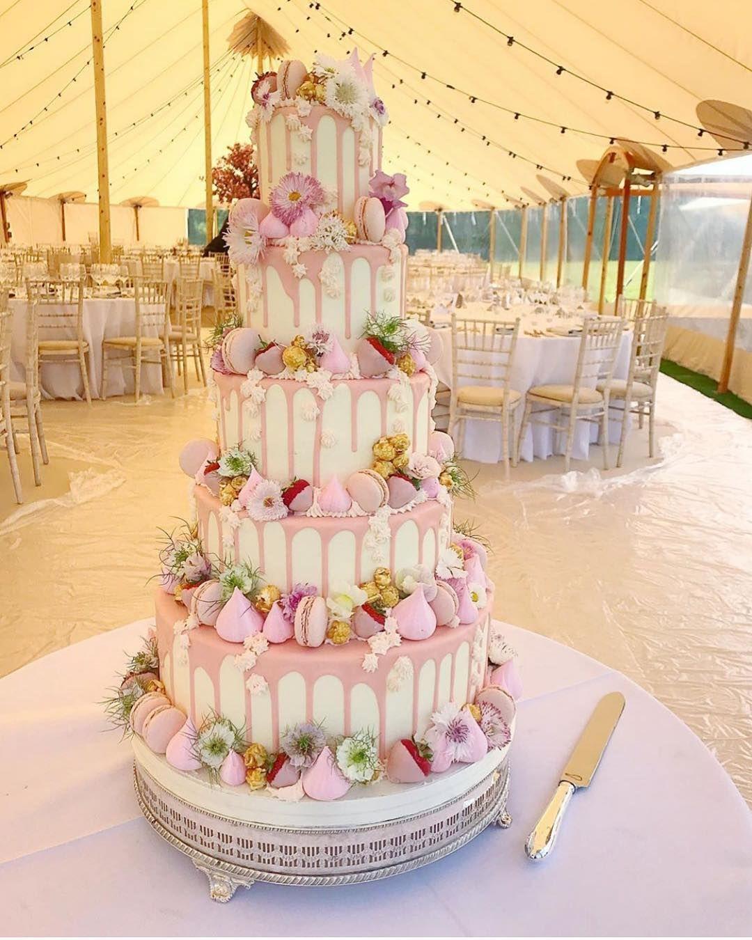 M E R I N G U E G I R L S On Instagram A Fondantfox X Meringuegirls Wedding Wedding Cake Flavors Wedding Cake Prices 5 Tier Wedding Cakes