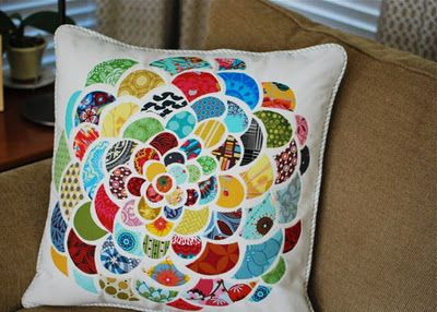 i would love to make these in different color variations for a quilt
