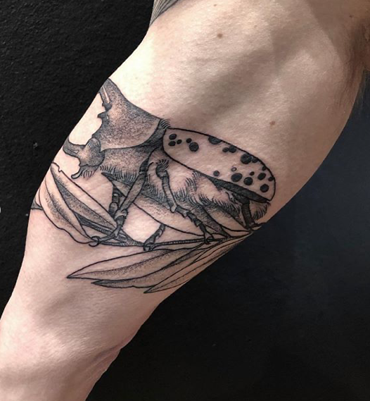Illustrative Blackwork Stag Beetle Tattoo Done By Susanna At Hidden Hands Tattoo In Kentish Town London In 2020 Beetle Tattoo Tattoos Stag Beetle