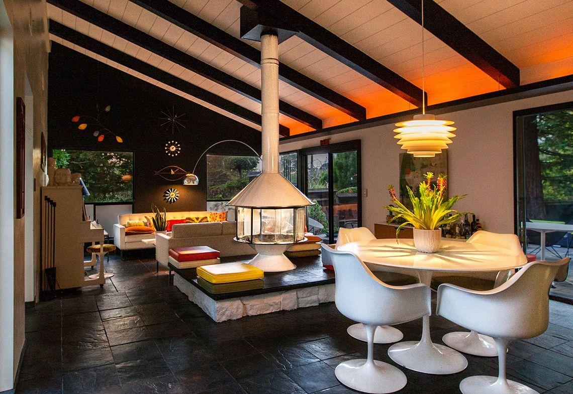 Retro Elements Make This A Mid Century Modern Living Room Shine Mid Century Modern Living Room Design Living Room Design Modern Mid Century Modern Living #vintage #mid #century #modern #living #room