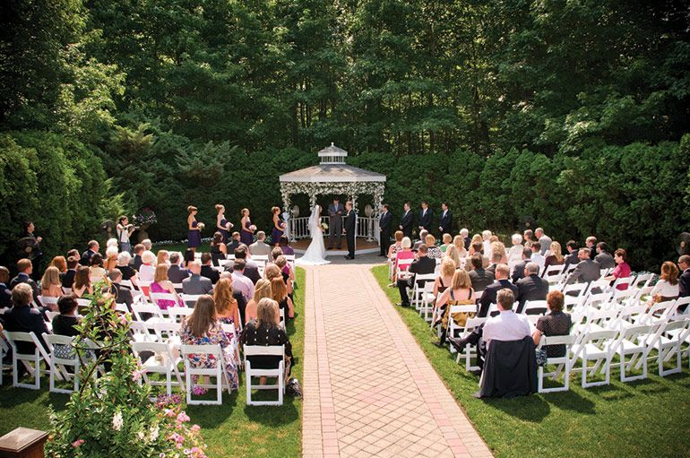 Sherry Sikora Weds Matt Hannay At The English Manor In