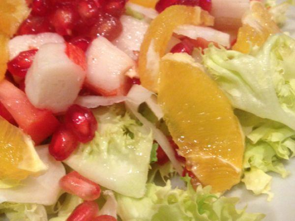 ensalada de escarola naranja y granada : http://www.petitchef.es/recetas/entrante/ensalada-de-escarola-naranja-y-granada-fid-1528329