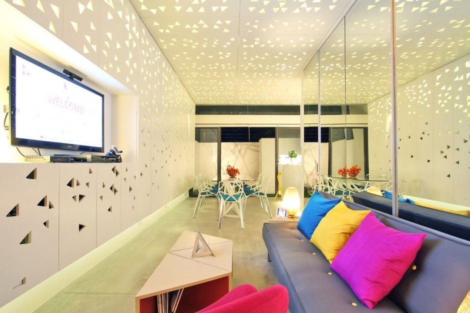 townhouse by buensalido architects the triangles are an abstracted rh pinterest ch