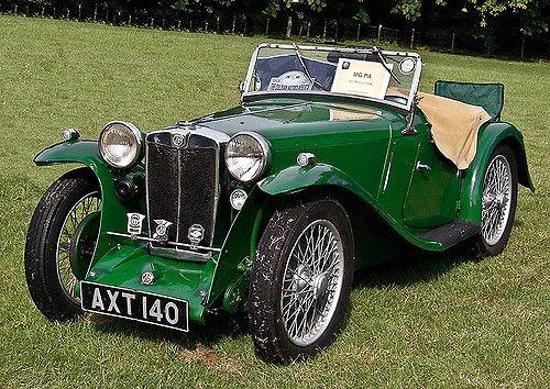 https://flic.kr/p/5MjGAL   Classic cars   Taken at an event at Culzean Castle