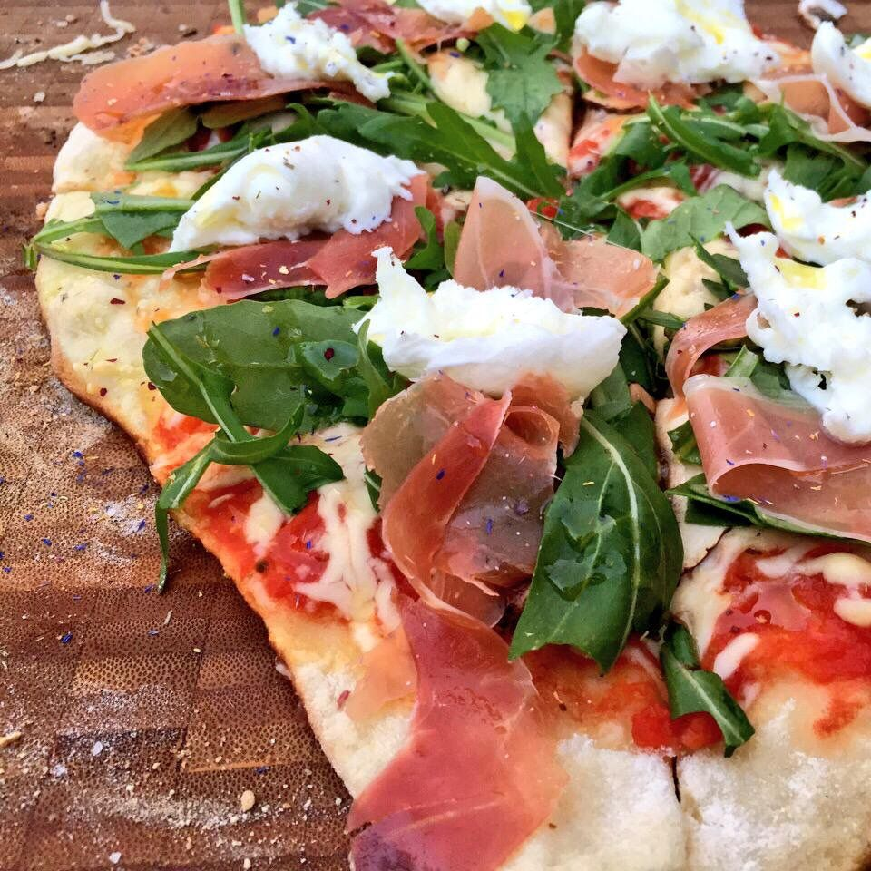 Pizza vom Webergrill