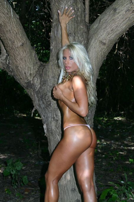 Hot nude foreign women