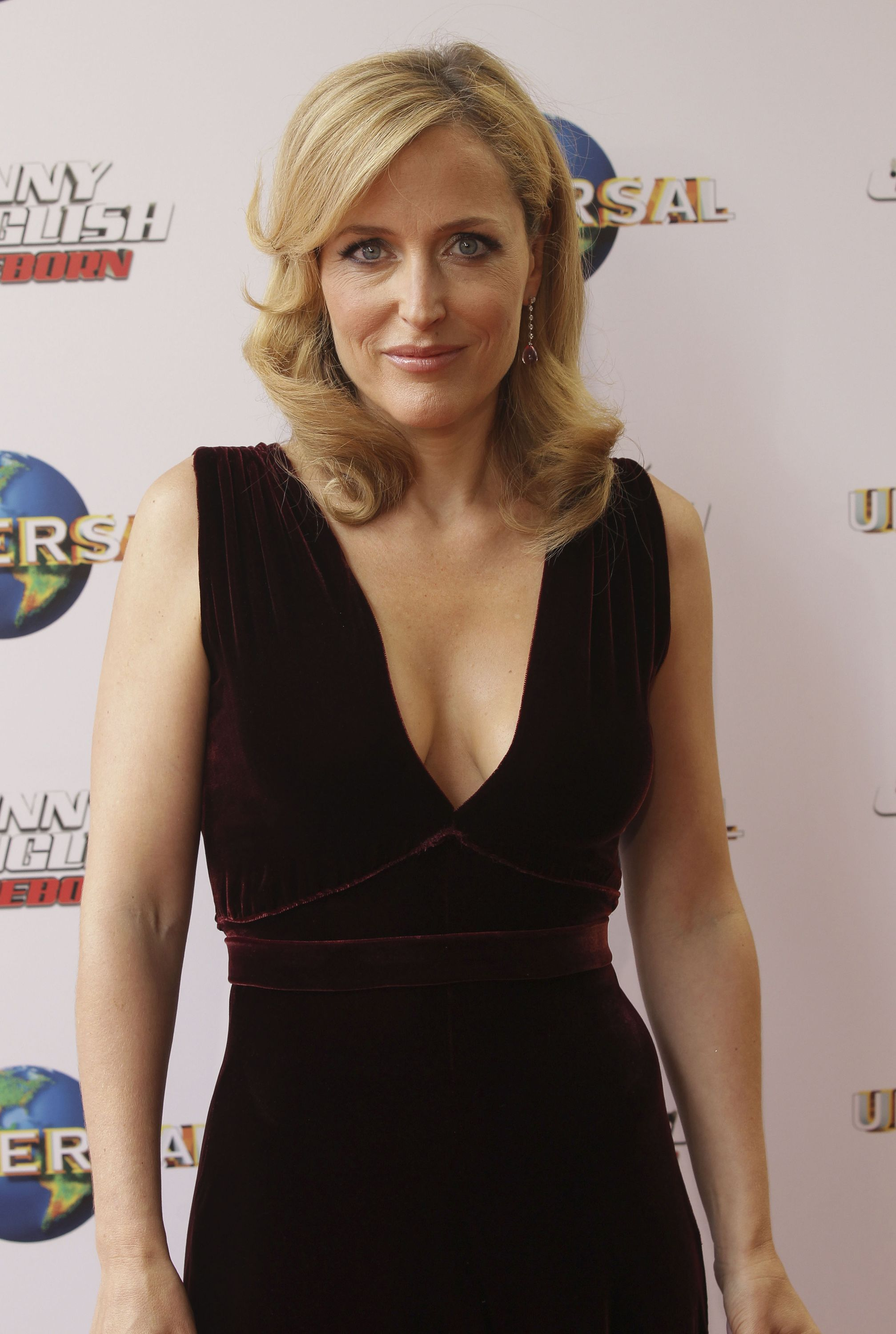 Gillian Anderson photo gallery - 433 high quality pics of ...