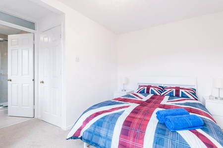 Check out this awesome listing on Airbnb: Tower Bridge 4 ...