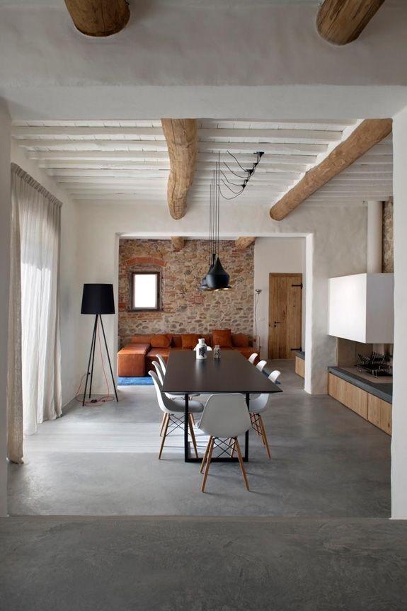 Concrete floors wood beams living room design nel 2019 for Siti di interior design