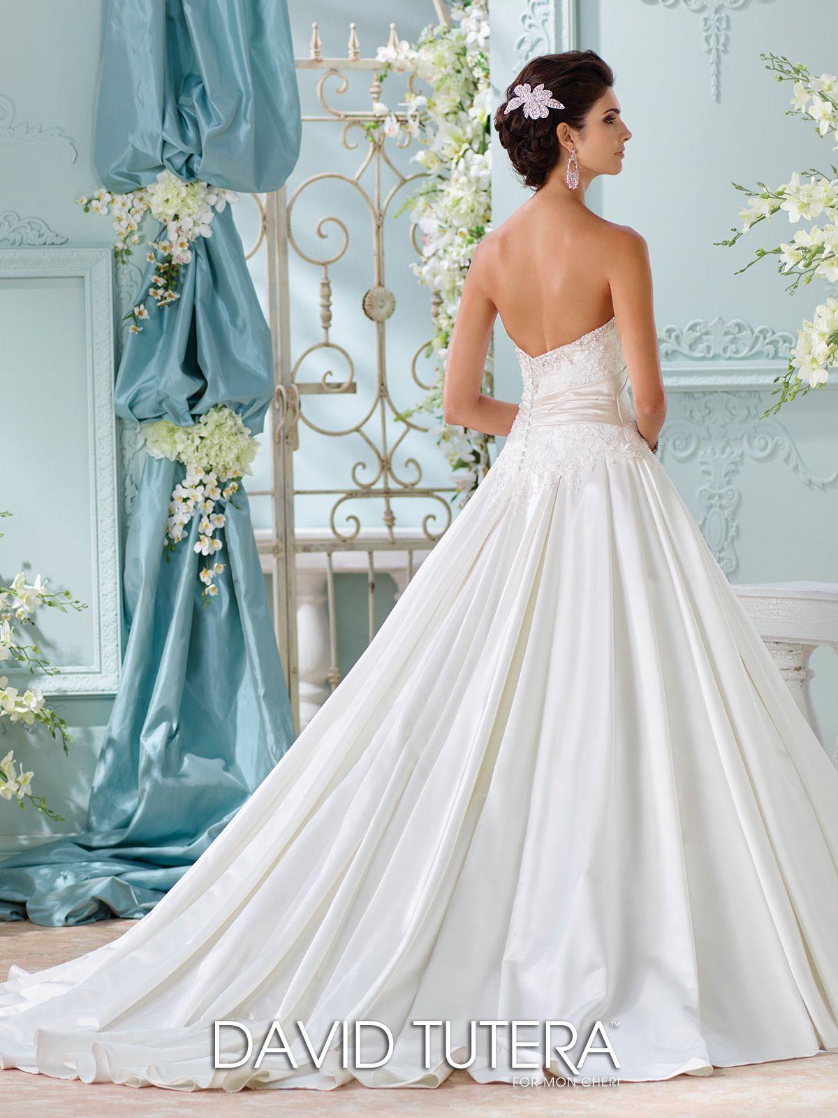 Fresh Champagne Wedding Dress | Wedding Photography