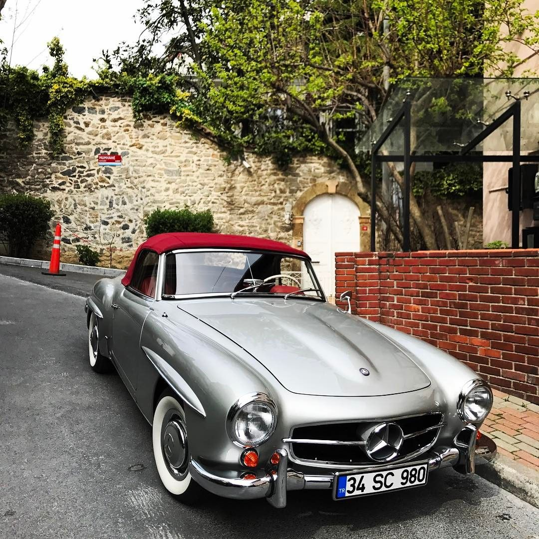 Mercedes Benz #190SL. Pic Via Instagram