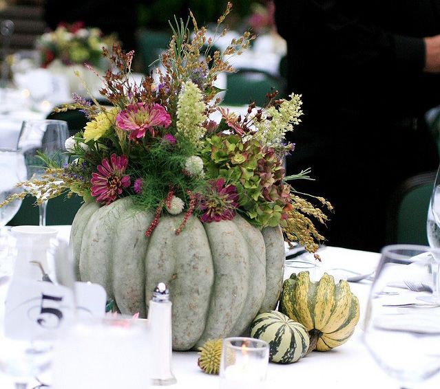 Elegant Fall Table Arrangements: Simple But Elegant Centerpiece For Fall With Pumpkin And