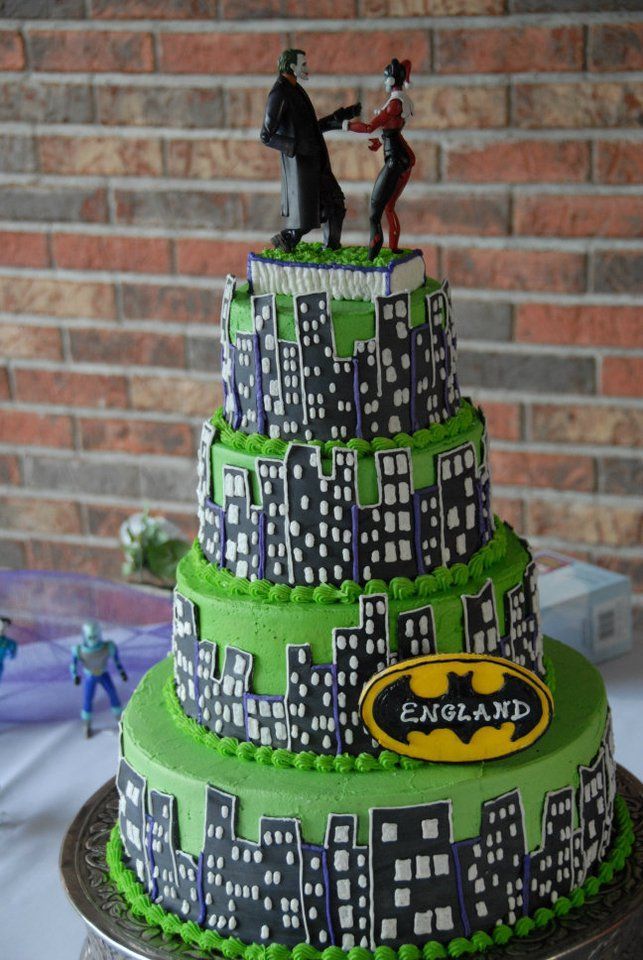 Our Joker And Harley Quinn Wedding Cake Picture Credited To My - Comic Book Wedding Cake