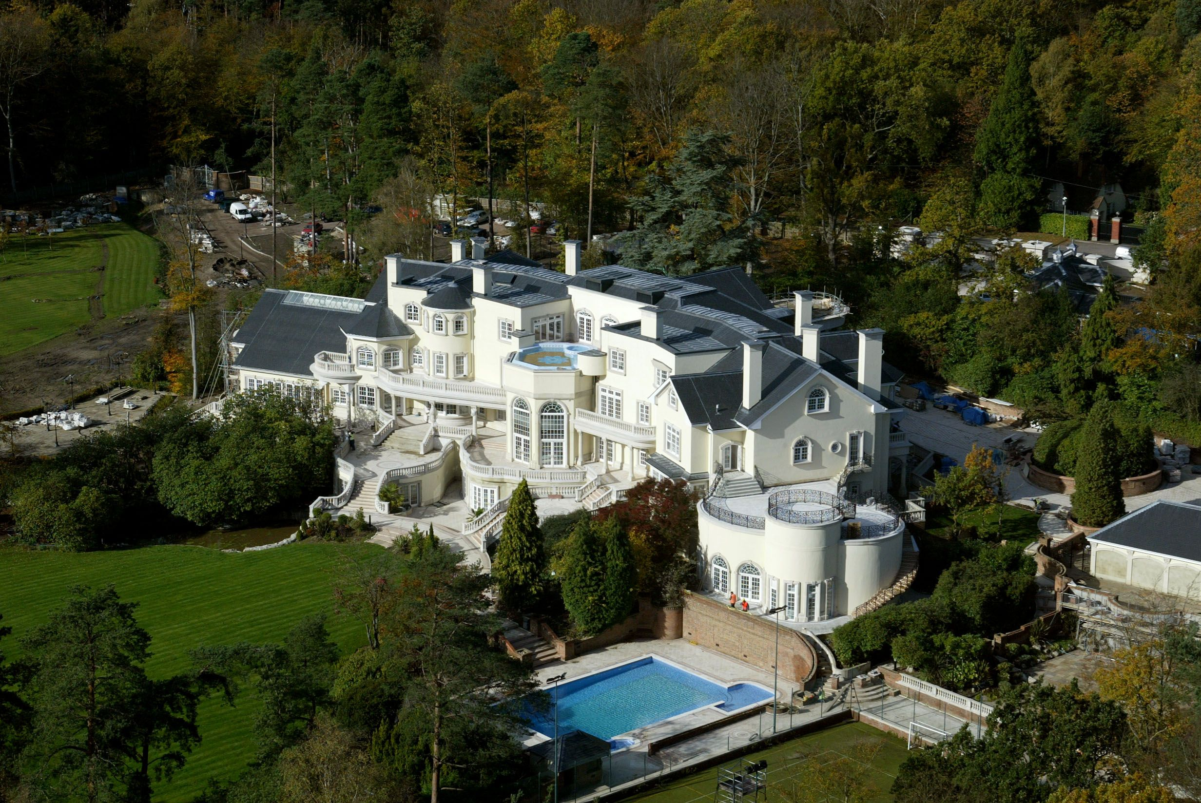 5 Nigerian Celebrities With The Most Expensive Mansions Mansions Expensive Houses Mansions Luxury