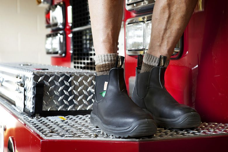 ba162850f45 Blundstone Canadian Fire Station CSA Steel Toe Safety Boot for ...