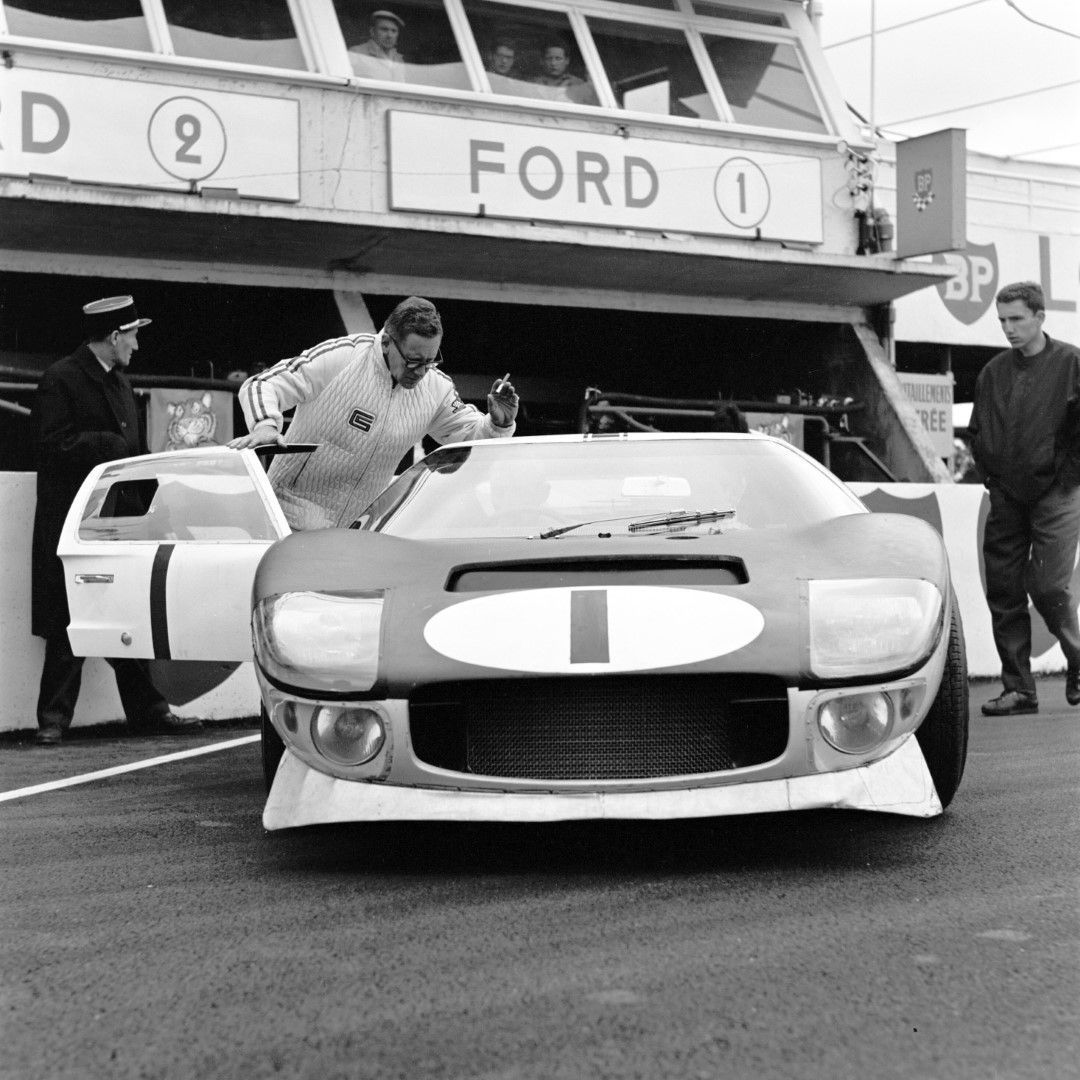 Ford Gt40 At Le Mans 1965 Driven By Ken Miles And Bruce Mclaren