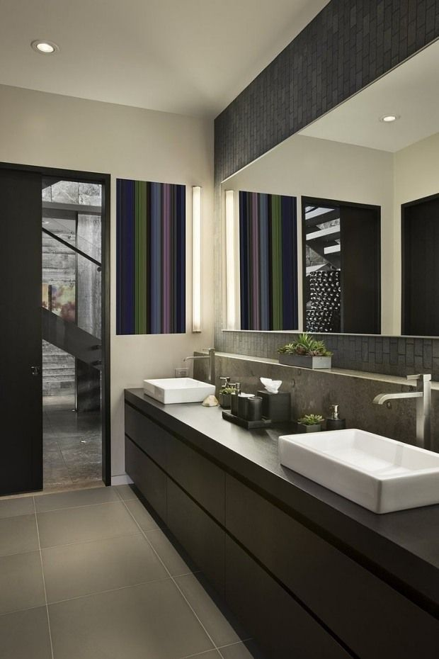 Moderne Len salle bain moderne style graphique accent murale rayure verticale
