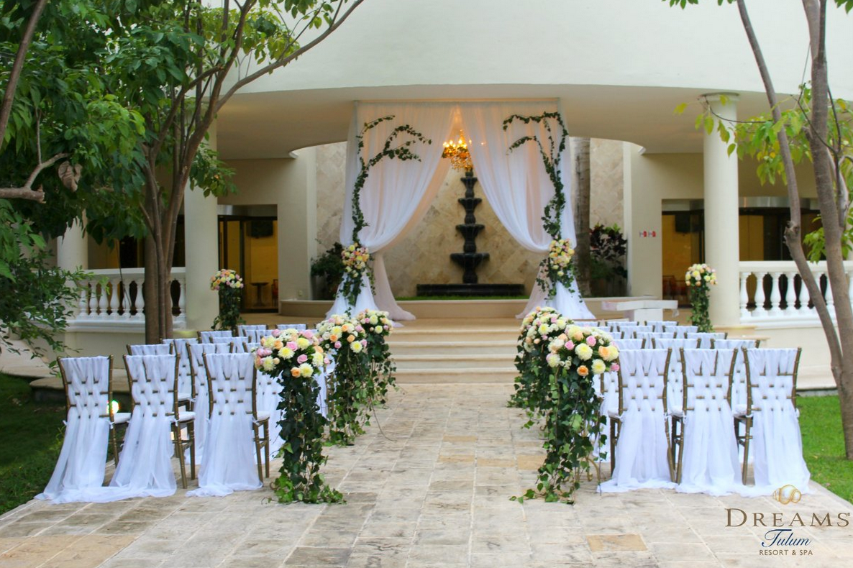 Beach Wedding Ceremony Oahu: Will You Say 'I Do' To This Beautiful Destination Wedding