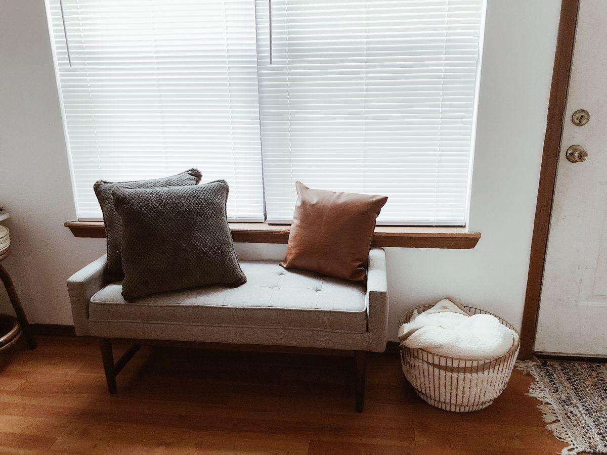 Living Room In 2020 Living Room Bench Living Room Room