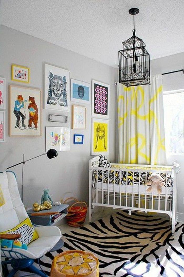 les rideaux chambre enfant blanc et jaune un tapis en peau d\u0027animal
