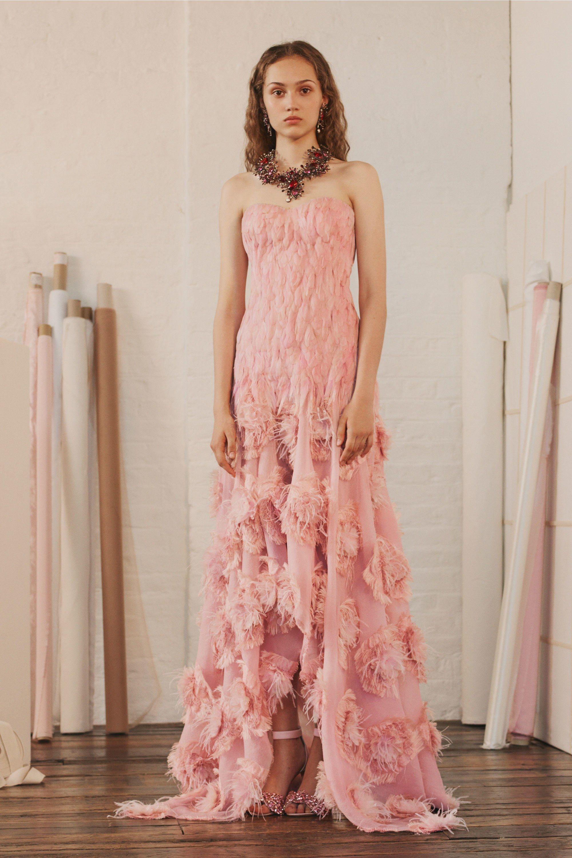 Alexander McQueen Resort 2018 Fashion Show   Moda rosada, La ...