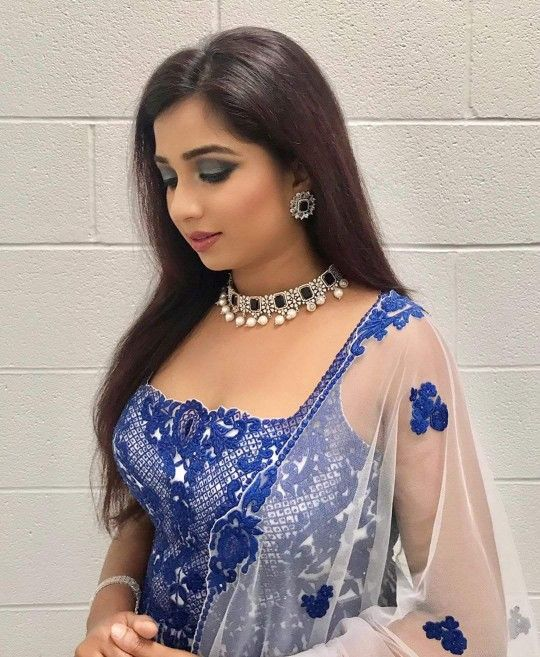 PHOTOS: Indian playback singer Shreya Ghoshal beautiful
