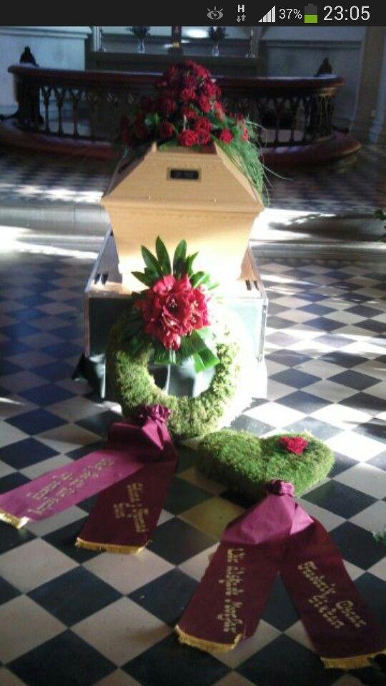 Mina första begravningsdekorationer!