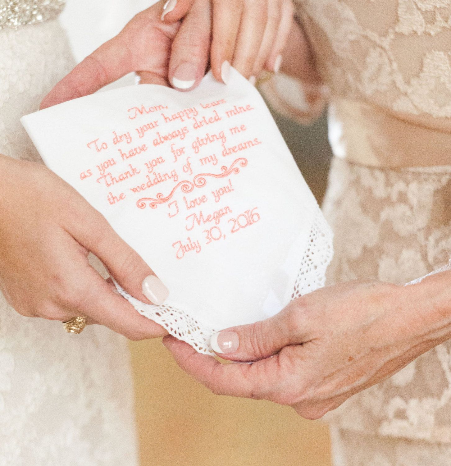 Give Mom A Personalized Message On Your Wedding Day Gift