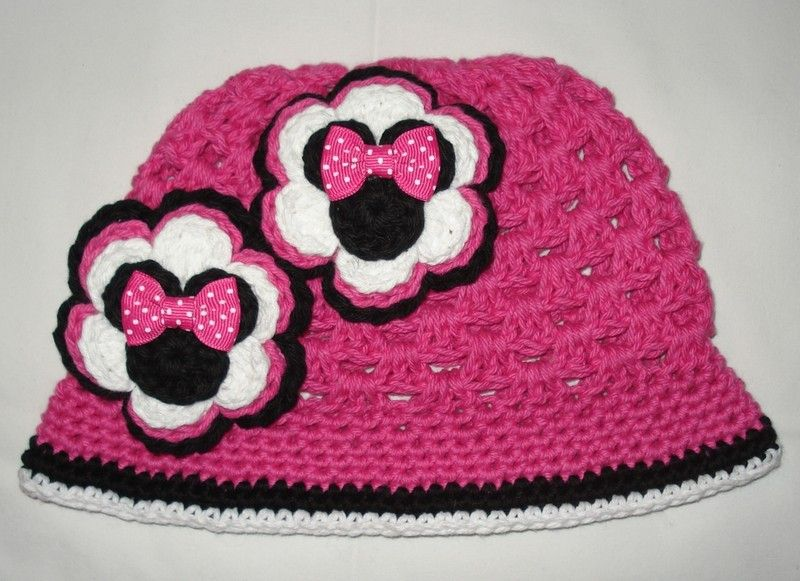 Minnie Mouse hot pink cloche with flowers | Crochet: Hats ...