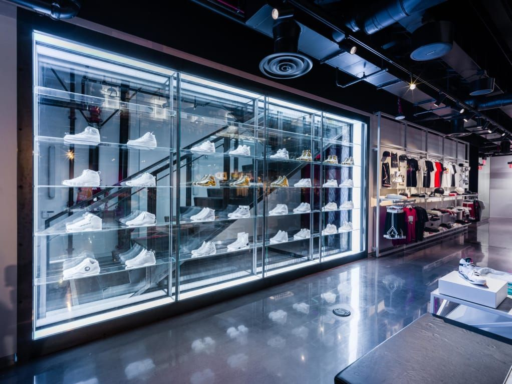 Go Inside Jordan Brand S New Los Angeles Flagship Store Freshness Mag Store Design Interior Los Angeles Shopping Nike Retail