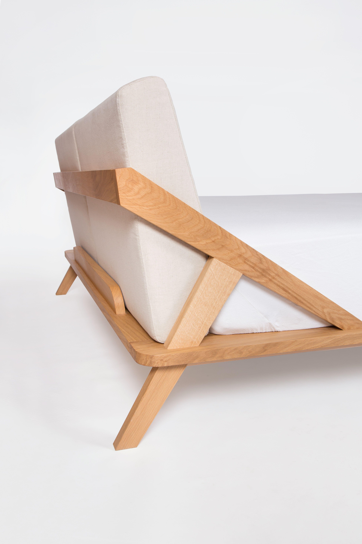 Design Bett aus Massivholz, mit gepolstertem Kopfteil. | bedroom ...